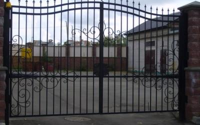 распашные ворота г.Пермь
